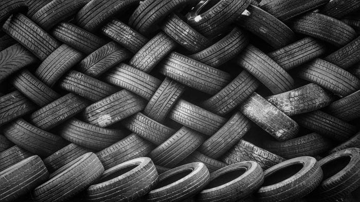 Ein Berg Reifen